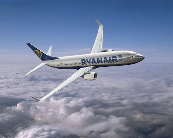 Pasando el control de equipaje de Ryanair