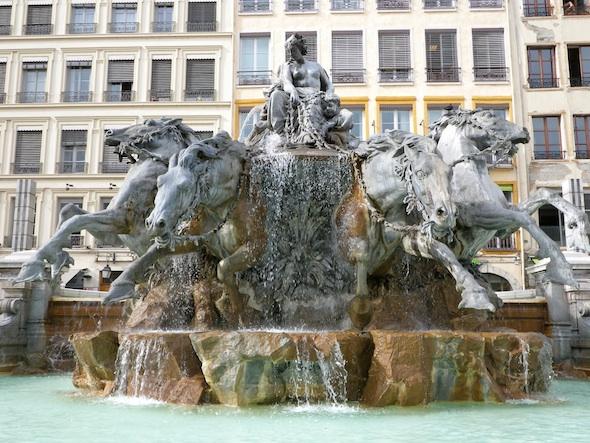 Fuente Lyon