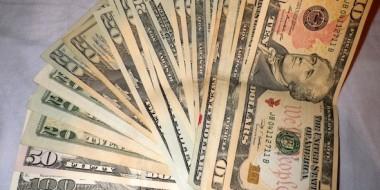600 dólares americanos