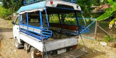 Songthaew que nos llevó hasta la frontera con Laos
