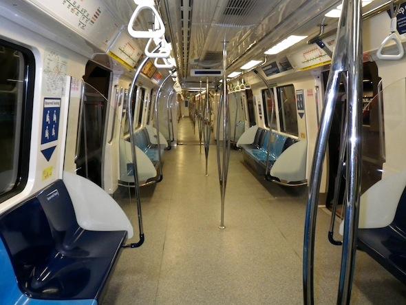 Así se veía el tren urbano de Singapur a las 5:20 am