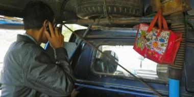 Cruzando la frontera entre Laos y Vietnam en autostop