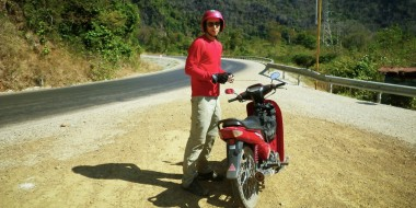 Empezando el loop de Laos en moto
