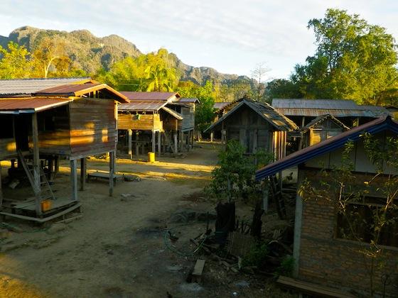 Vistas del poblado de Ban Natane por la mañana