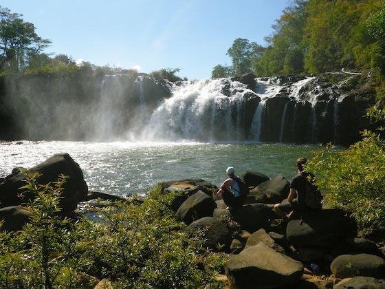 La catarata que da nombre al pueblo: Tat Lo