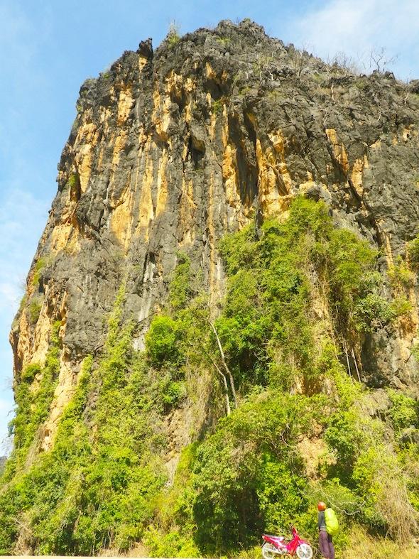 Realizando el loop por el centro de Laos