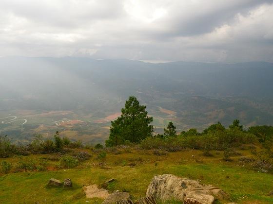 Vistas desde la cima del monte Lang Biang