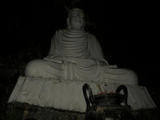 El gran Buda de las montañas de mármol