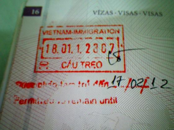 Bienvenida a Vietnam tras cruzar el puesto fronterizo de Cau Treu