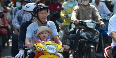 Bebé al volante en Vietnam