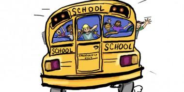 Haciendo autoestop en Letonia y parando un autobús escolar