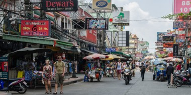 Khao San Road, el nido mochilero de Bangkok