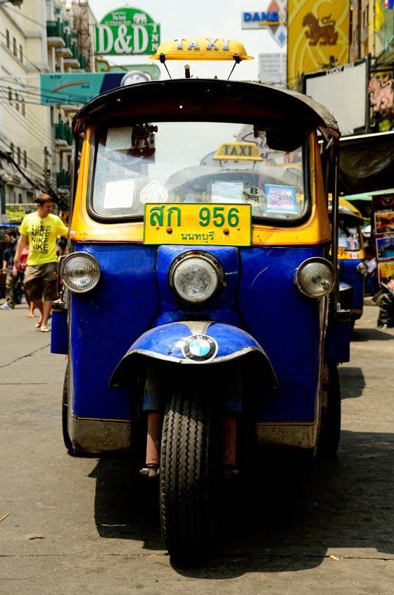 Tuk tuk en Khao San Road, Bangkok, Tailandia