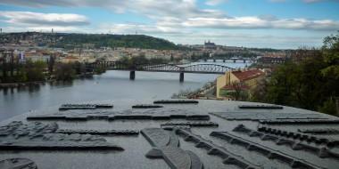 El río que divide Praga
