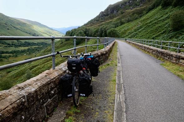 Con la bici por una antigua vía de tren