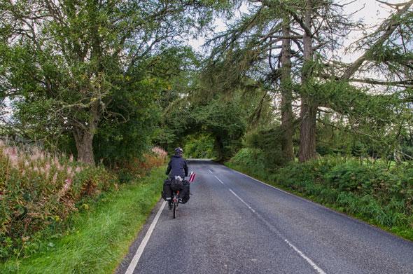 En bicicleta hacia el lago Ness