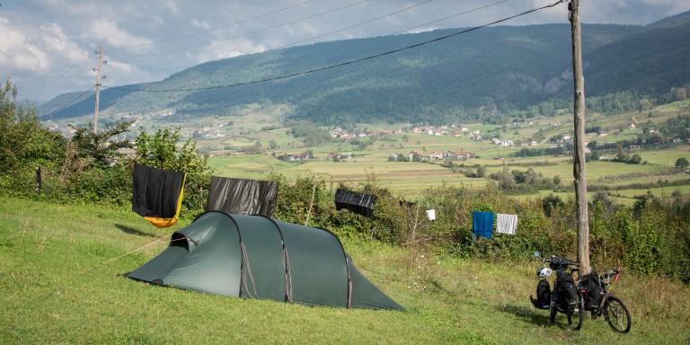 Bienvenidos a Bosnia: 36 horas en la tienda de campaña