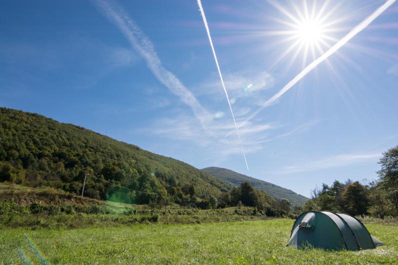 Acampada libre en el Parque Nacional de Una, Croacia