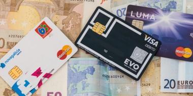Tarjetas y dinero para viajar