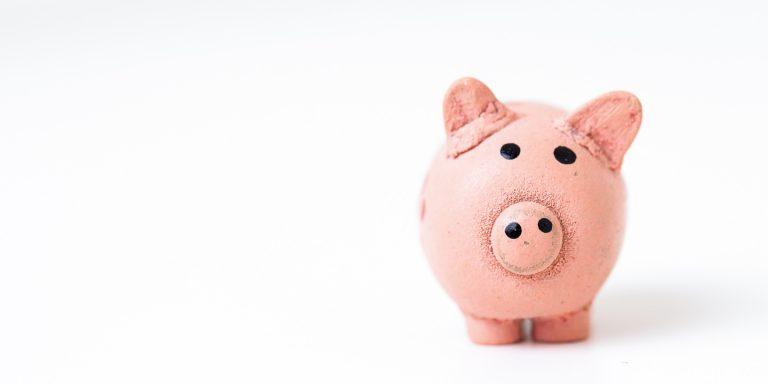 ¿De dónde puedo sacar el dinero para viajar?