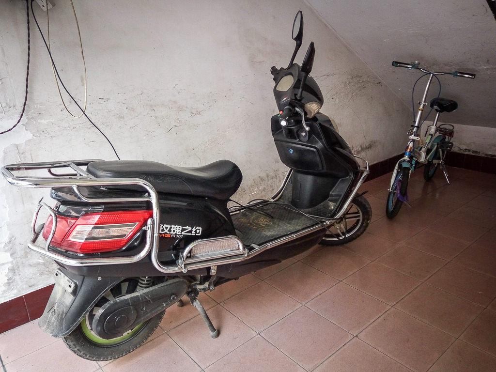 Mi moto eléctrica en China