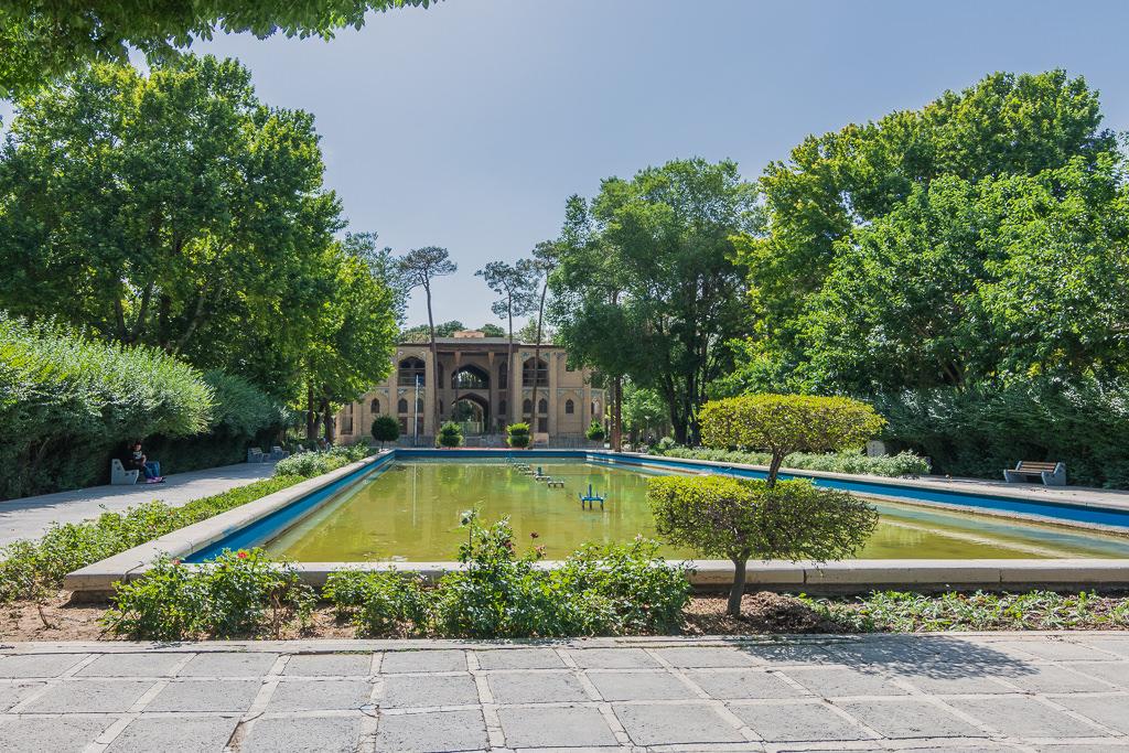 Parque y palacio en Isfahán