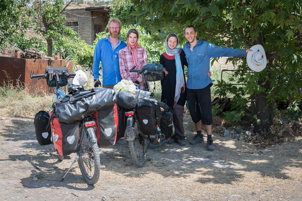 Cicloturistas en Irán, pedaleamos juntos durante unos días
